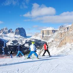 Sellaronda ski tour
